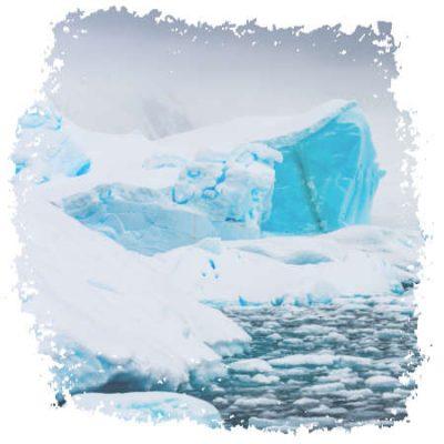 Eisige Klippen in der Antarktis